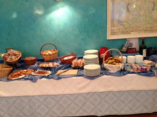 Europa Central: Super Frühstücksbuffet