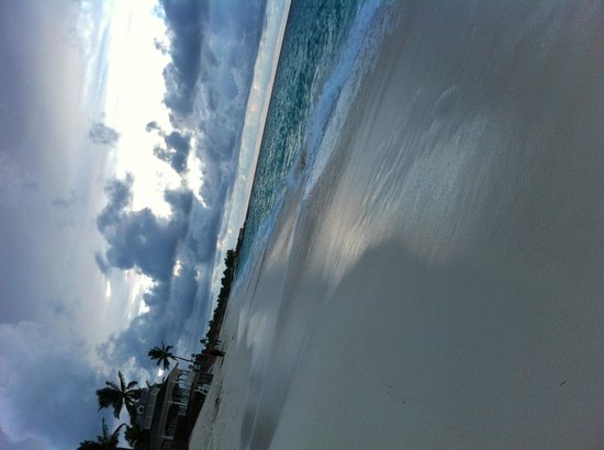 Hotel Riu Palace Paradise Island : The beach