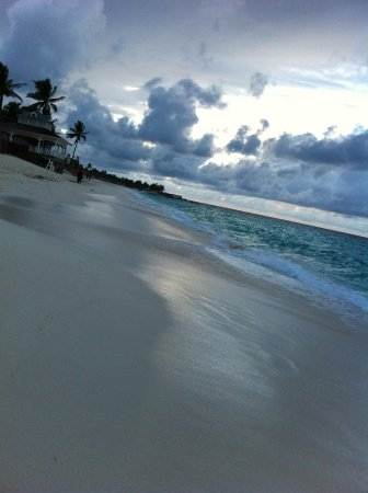 Hotel Riu Palace Paradise Island : The beach