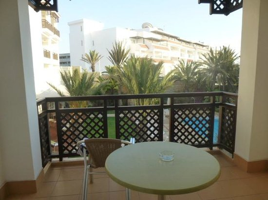 Hotel Timoulay & Spa Agadir : Balcony/terrace area..great for reading and sunbathing!