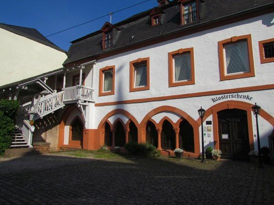 Klosterschenke: Hotel from rear