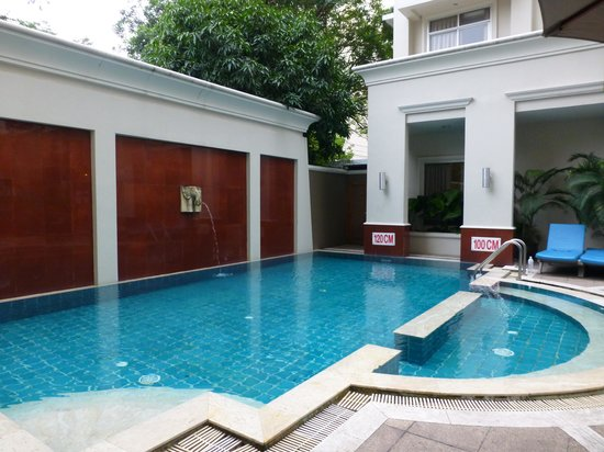Asoke Residence Sukhumvit: The pool