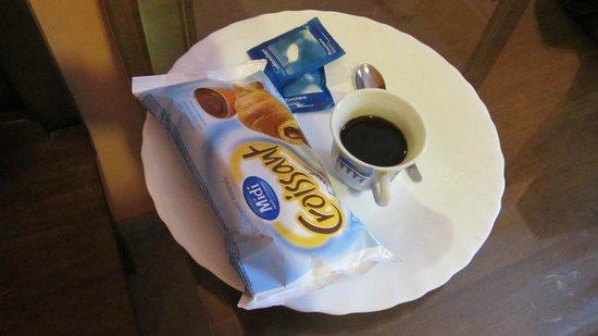Pitagora B&B : Pessima colazione servita in camera!