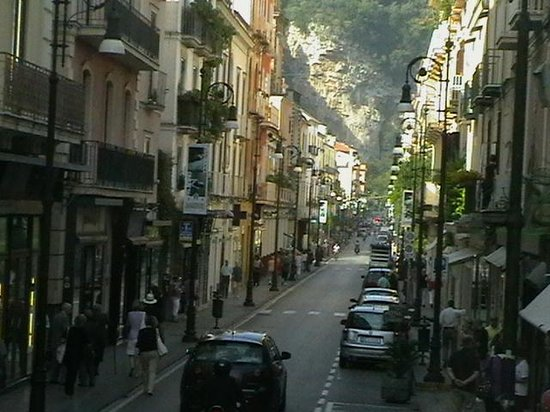 Hotel Zi Teresa: high st in sorrento