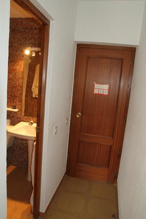Hostal La Noria : Room 107