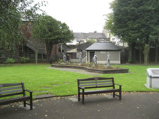 Ballymena Memorial Park and Obelisk