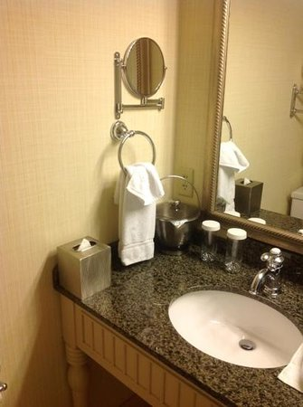 The Abbey Resort & Avani Spa: bathroom