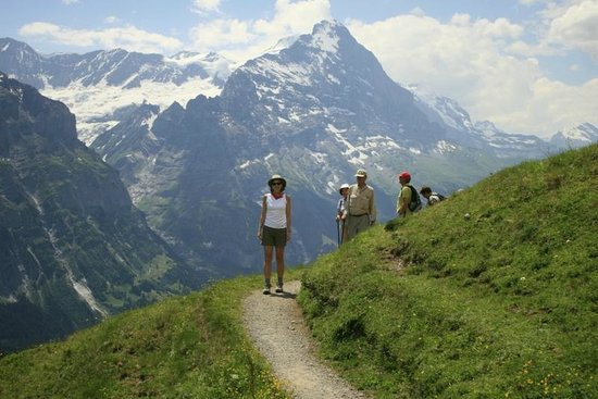 Sunstar Hotel Grindelwald: One of the many scenic hikes from the hotel.