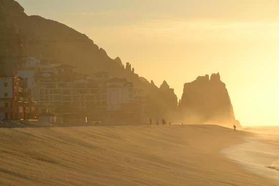 The Resort at Pedregal: Beautiful beach walk