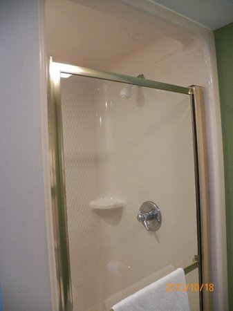 plastic shower stall - Picture of Sleep Inn Manchester Airport ...