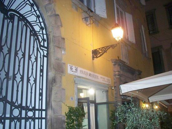 Paris Boheme Bistrot  Cucina Autentica : Exterior