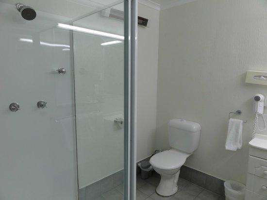 Lord Byron Resort: Bathroom