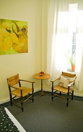 Das Kremer Gästehaus: Doppelzimmer mit Sitzecke