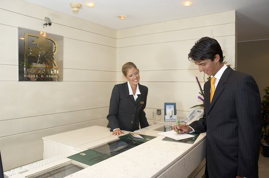 Roosevelt Hotel & Suites : Check In