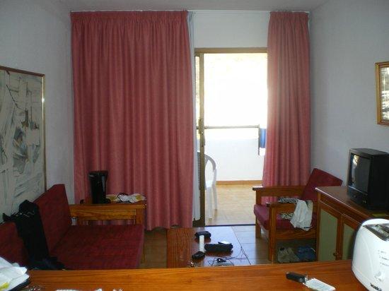 Carlota Apartments : sala de estar