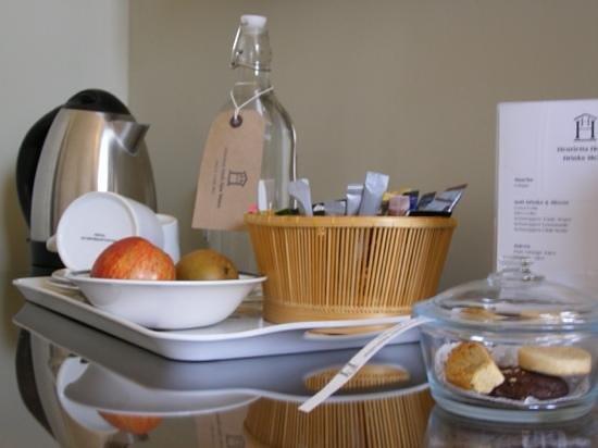 Henrietta House: tea tray waiting in room