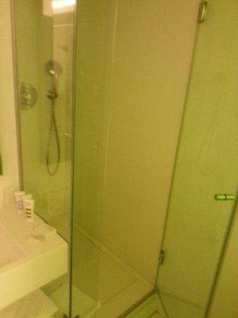 Mercure Paris Gare Du Nord La Fayette : Banheiro limpo...