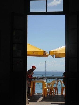 Maria de Sao Pedro: Pela janela
