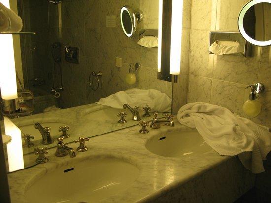 Hotel Schweizerhof: En suite