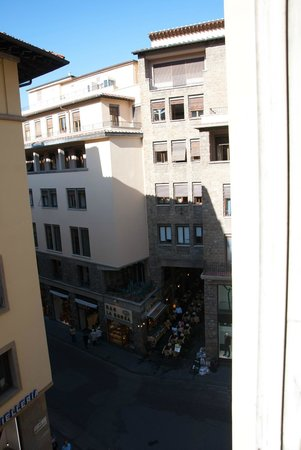 Hotel Por Santa Maria: View toward Via Por Santa Maria from room (NW)