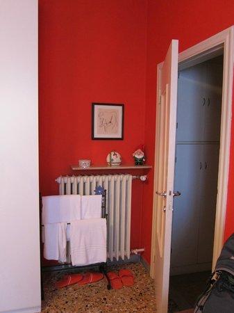 B&B Il Ghiro: Entrada do quarto