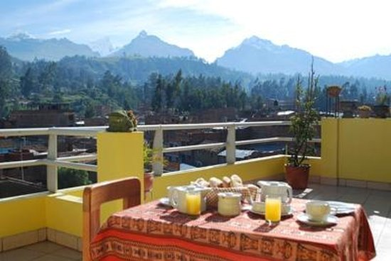 Morales Guesthouse: continental breakfast