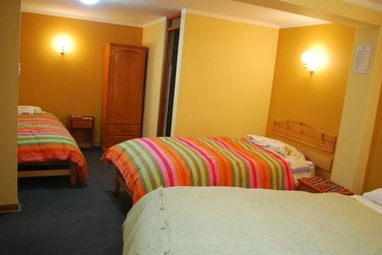 Morales Guesthouse: triple room
