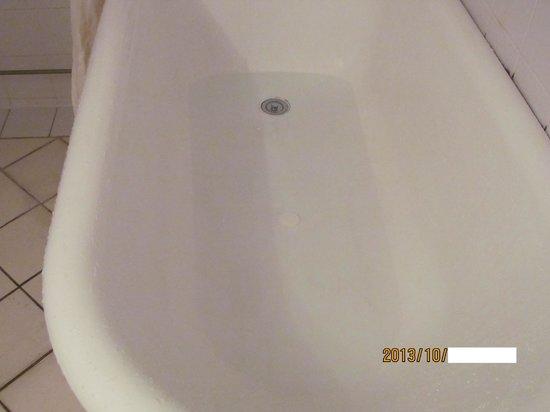 Grand Plaza Hotel: こんなにきれいになりました。水が透明です。