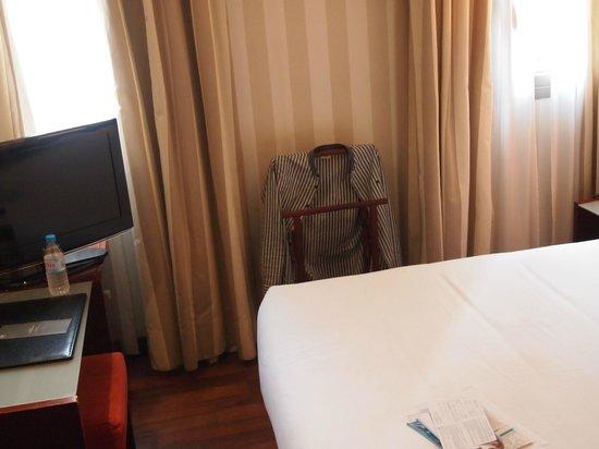Hotel Zenit Borrell: väldigt litet rum