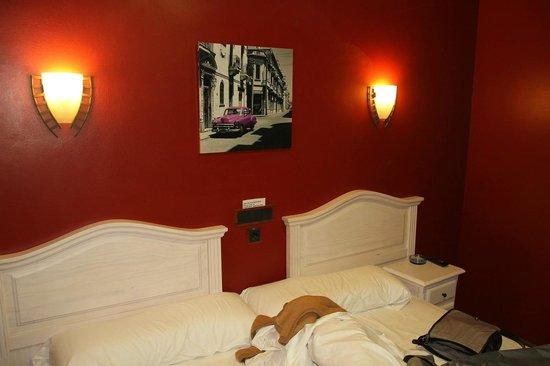 Hostal Regio: Room 302