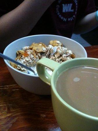 Funk House Backpackers Hostel Sydney : breakfast!