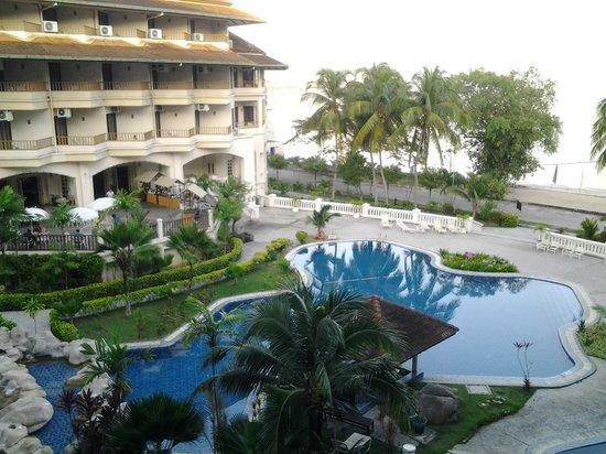 The Orient Star Resort Lumut: pool