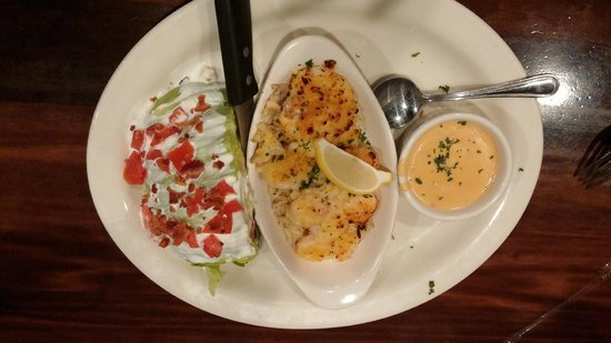 Leverock's Great Seafood: Trio of the Day Lunch Special with wedge salad & lobster bisque