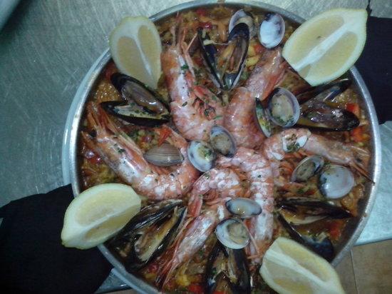 tasca jamon jamon: paella mixta tradicional