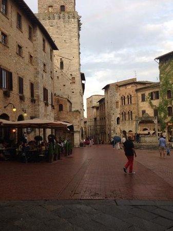 Hotel L'Antico Pozzo : enchanting town