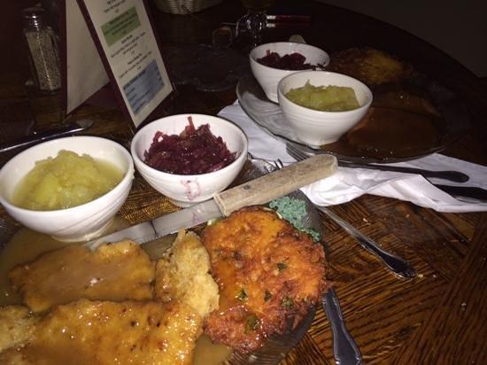 Kretch's Restaurant & Bar : Our delicious Saurbraten and Weinerschnitzel