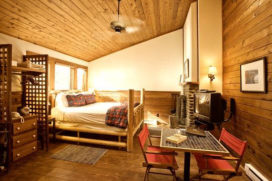 Hearthstone Inn: Classic Room 27