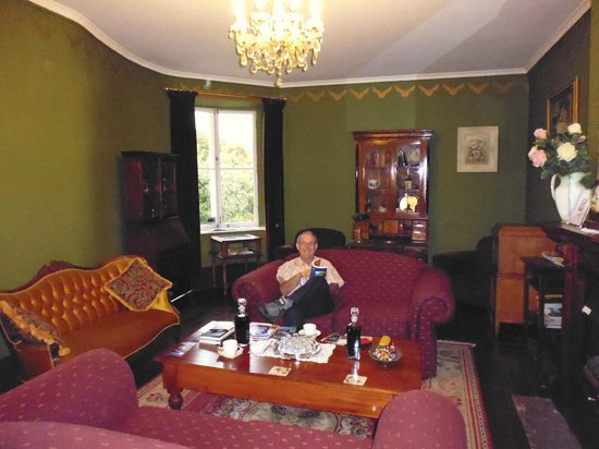 The Lodge on Elizabeth: Graham having a relax