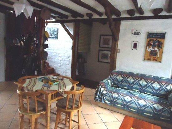 Hospedaje Higueron : sala interior