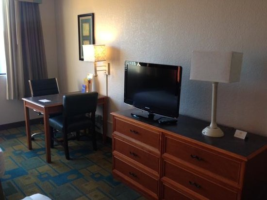 La Quinta Inn & Suites Seattle Sea-Tac Airport: Entertainment Center