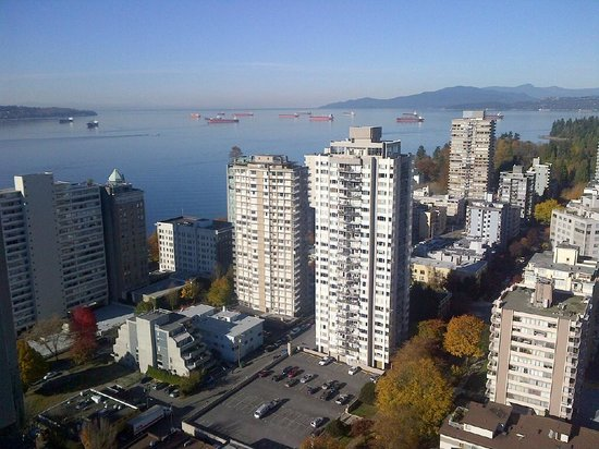 Coast Plaza Hotel & Suites : Looking west to English Bay
