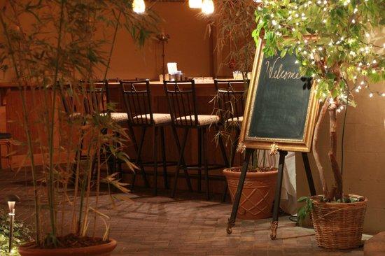 Atkinson's Restaurant & Tavern: Welcome