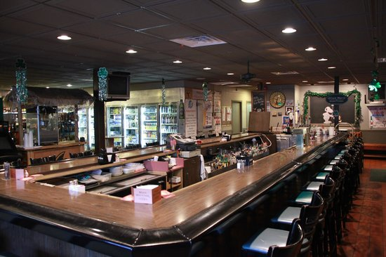Atkinson's Restaurant & Tavern: Main Front Bar