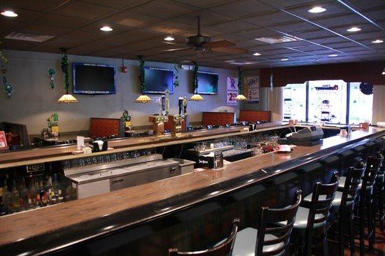 Atkinson's Restaurant & Tavern: Main Bar