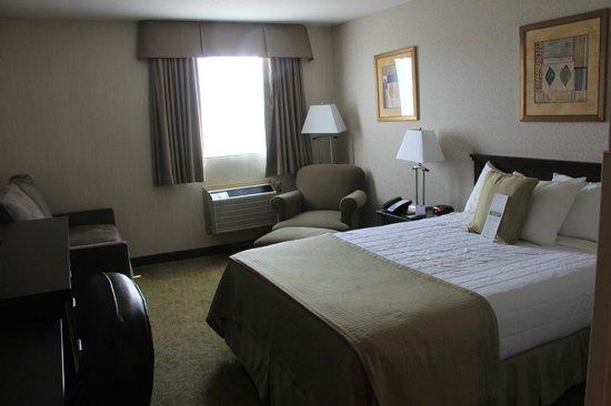 Bedroom, Victoria Inn  |  160 Hyw. #10-A North, Flin Flon, Manitoba