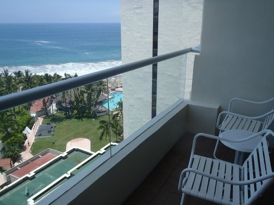 Sunscape Dorado Pacifico Ixtapa: View from balcony