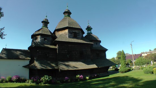 Ukrayna: Zhovkva 1720 wooden Orthodox church