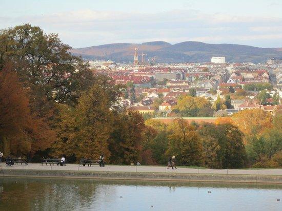 Schlosshotel Roemischer Kaiser : Vist dos jardins do Palácio de Schonbrunn