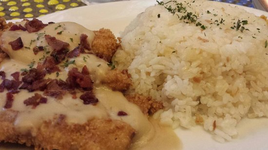 Banapple Pies & Cheesecakes: Bacon Fried Chicken Steak with Milk'shroom Gravy