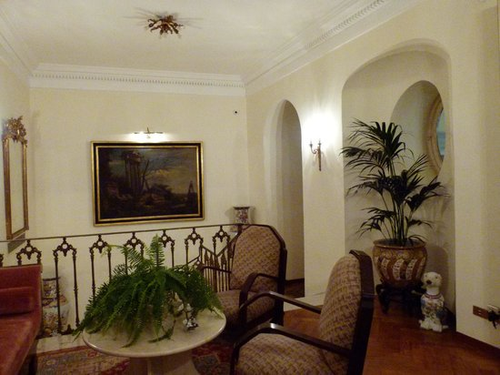 Palazzo Marziale : One of the little sitting areas